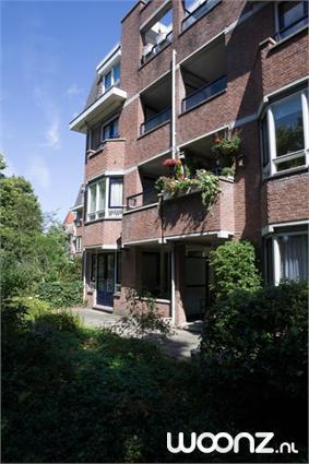Tweekamerappartement aan de tuinzijde, 3 verdiepingen