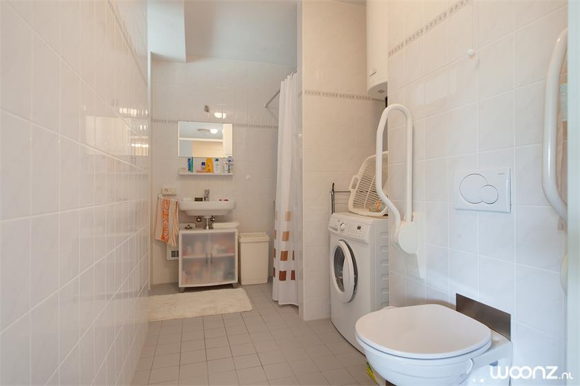 De Gooise Warande  2- kamer appartement - badkamer