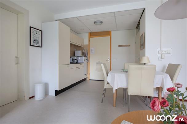 Groot 2 kamer appartement op 2e etage seniorenappartement in weesp - Kamer van mozaiekwater ...