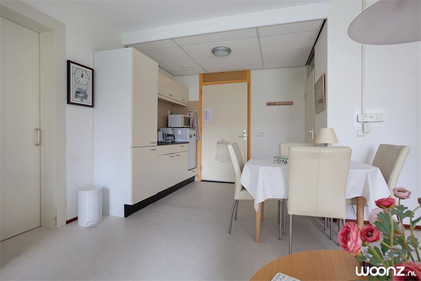 Vivium Oversingel - Weesp - groot 2-kamer appartement aan binnentuin met uitzicht op water van binnentuin - Keuken