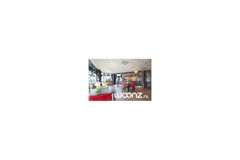 Het restaurant van St Jozef staat ook open voor wijkbewoners