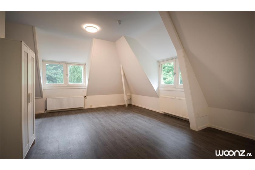 Villa-Sijthoff-Wassenaar-appartement-woonkamer-slaapkamer-leeg