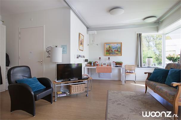 Appartement met kitchenette en sanitair