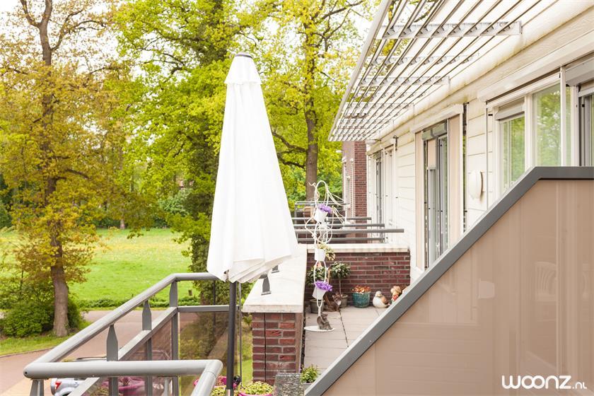 Solace-appartement-balkon-uitzicht