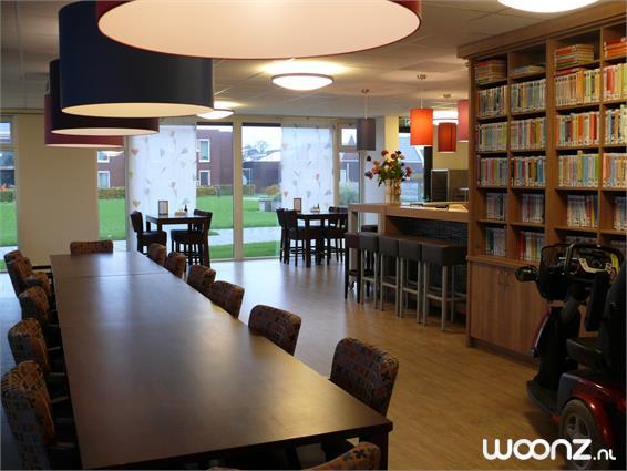 Grand Café met bibliotheek