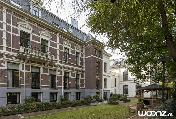 Appartement met eigen balkon/terras